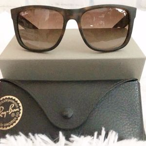 Ray Ban Justin RB4165 Brown Sunglasses.
